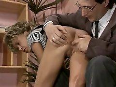 Vintage πορνό έφηβος με μια αδύνατη, ξανθιά πιπίλισμα