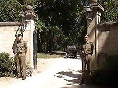 Η λίζα Crawford - Στρατιώτες διάολο τα Général Γυναίκα