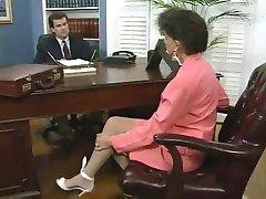 Horny Boss Fucks Tema Uus Sekretär