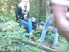 Ormanda kızlar için Cum