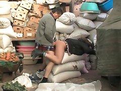 țara teen fete suge & bătrânul cocoș