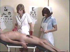asistenta de serviciu pentru băiat