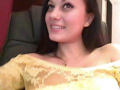 ruská kráska koukání pod sukně