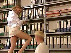 Sekretarz gorąca blondynka