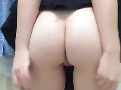 Nice Pussy Play in Public