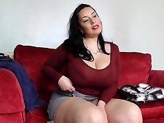 Big sex bomb mother with hairy Brit fuckbox