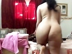 arab dame got ass