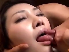 I fuck my tenant's wife when he go to douche