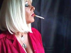 Smoke Queen Nadja