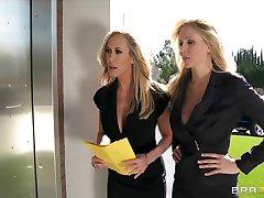 Bigtit blonde MILF sluts Julia Ann  Brandi Love in threesome