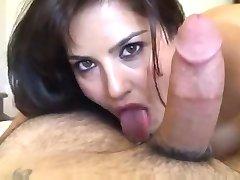 Sunny Leone Sıcak POV