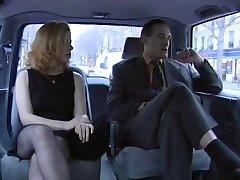 U troje je Priscilla u taksi