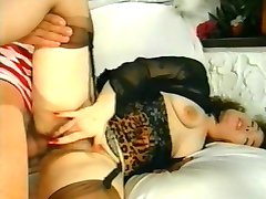 Brunnette anal babe