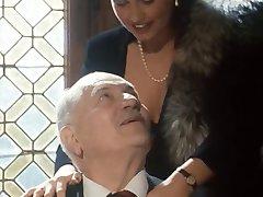 Adecuado Abuelo recibe una mamada