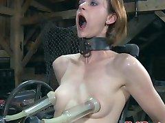 BDSM esclavitud sub penetrado por la máquina