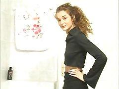 स्कीनी किशोर लड़की 4 (पश्चिम)