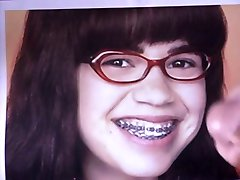 Cum på Ugly Betty Suarez America Ferrera