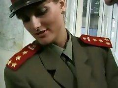 KGB Militar Chica se Folla a Reclutar ...F70