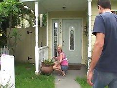 Skaista mājsaimniece