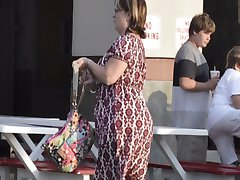 Slideshow BBW's in Public - NonNude