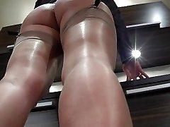 Shiny nylon feet