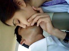 Dekle Ustnice Poljub