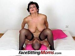 Big boobs dame Greta old young facesitting and twat eating