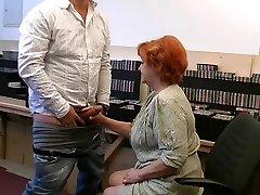 Grandma gives a gummy fellatio