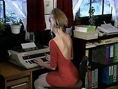 Debbie, hot office knulla