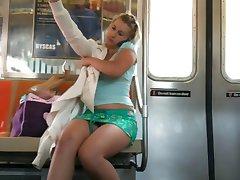 U-Bahn-Upskirt