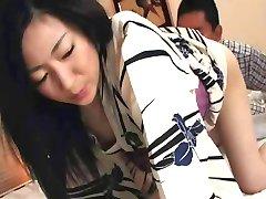 Emiko Koike - Erotisk Japansk MILF