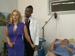 Blond knulla hennes läkare