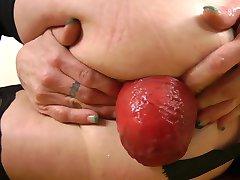 Brunette Milf Fisting
