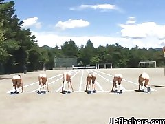 Asian girls run a nude track and field
