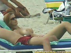 candid beach chicks