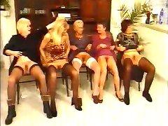 Tyske bestemødre har fin orgie av fdcrn