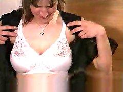 Andrea Dalton - Hausfrau