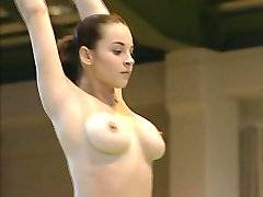 עירום מתעמלת קורינה Ungureanu וידאו מלא