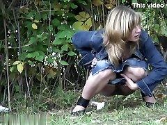 Girls Peeing voyeur video 42