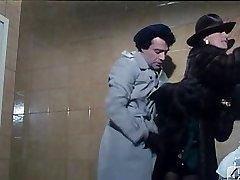 Barbara Bouchet en 40 GRADOS TODOS los'OMBRA DEL LENZUOLO 1976