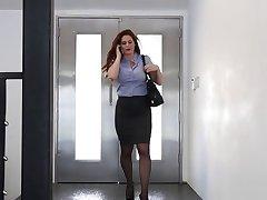 המזכירה