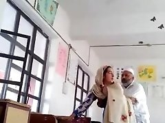 Desi head master tear up urdu teacher school affair caught mms
