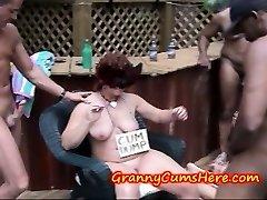 Grannies aiziet SAVVAĻĀ, un ēst CUM VALSTS Swingers Puse