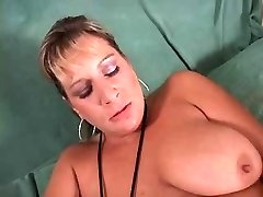 Mature blonde gets fitness and plumb