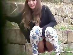 chinese girls go to toilet.27