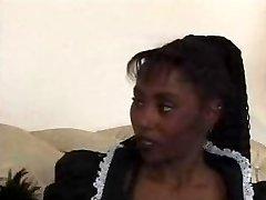 黑色的青少年女仆