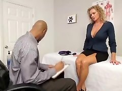 Outstanding Mummy LOVES BLACK COCK!! (MUST WATCH)
