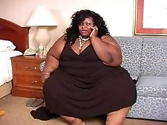 beautiful ssbbw gettin pummeled