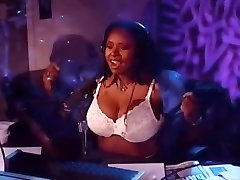 Howard Stern's Robin Quakes Flashing Double G's