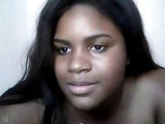 胖乎乎的黑女孩